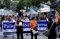 Cile: in migliaia nelle piazze per dire no alle dighe in Patagonia
