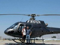 Simone Moro diventa elicotterista. Primo europeo a volare sul Nepal
