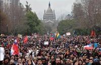 """Cile, 11 settembre: l'onda di """"indignados"""" fa tremare Piñera"""