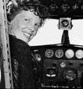 La leggendaria Amelia Earhart come Robinson Crusoe