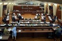"""Consiglio approva legge per """"tagli costi politica"""""""