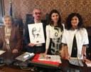 Su Segni la firma di Dario Fo. Il suo lupo l'animale simbolo